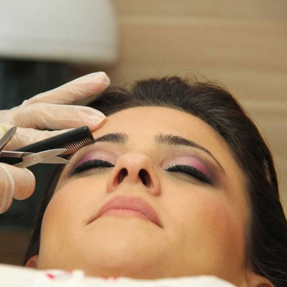 Eyebrow Enhancement Services in Kohat Enclave