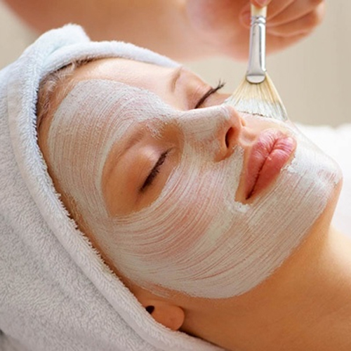 Luxury Facial in Kohat Enclave