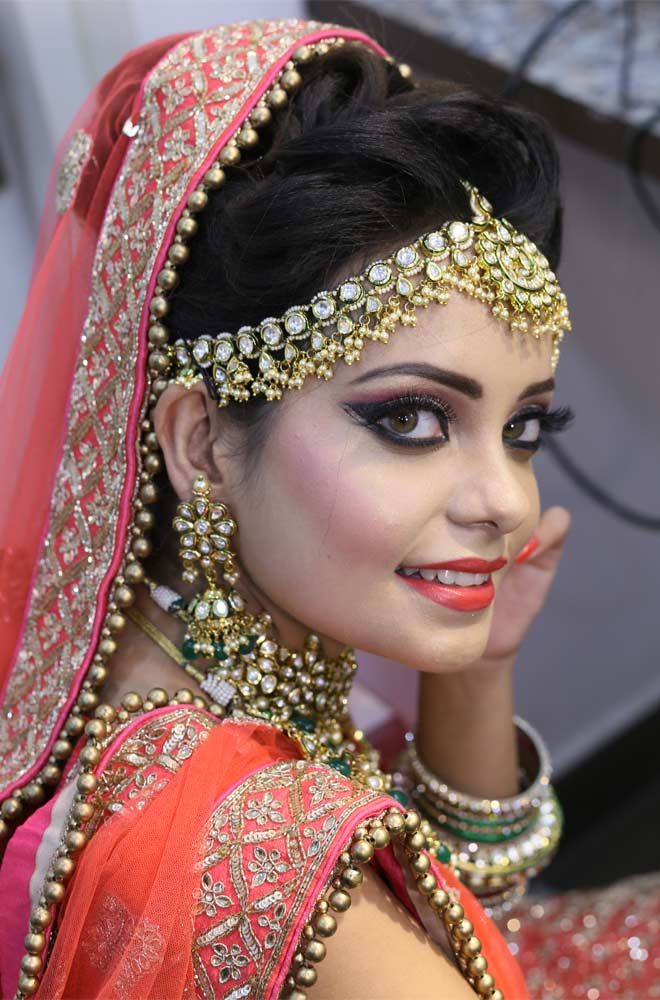 Reception Makeup Artist in Deepali Chowk