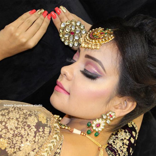Makeup Salon in Paschim Vihar