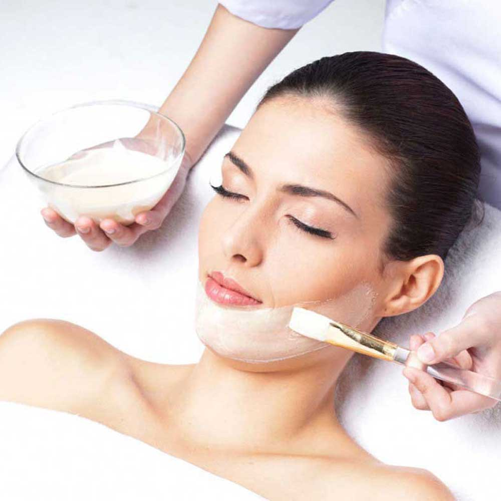 Skin Lightening Facial Services in Rohini