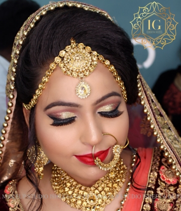 Reception Makeup Artist in Civil Line
