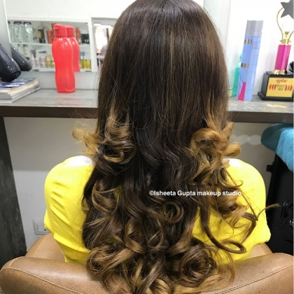 Hair Coloring Services in Janak Puri
