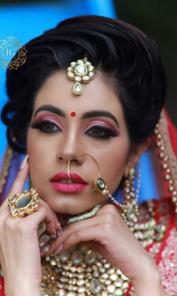 HD Makeup Artist in Deepali Chowk